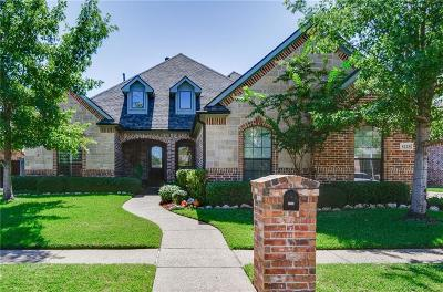 North Richland Hills Single Family Home Active Contingent: 8228 Forest Glenn