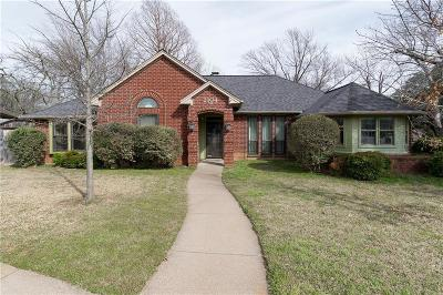 Grapevine Single Family Home For Sale: 2104 N Aspenwood Drive