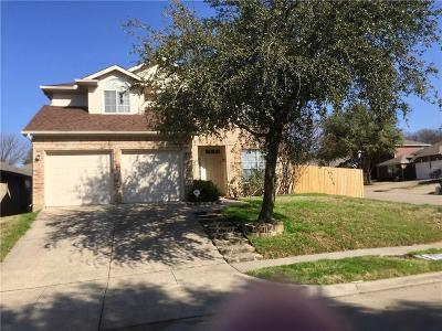 Euless Single Family Home Active Contingent: 411 Flint Court