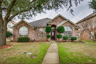 Lewisville Single Family Home For Sale: 1120 Courtney Lane