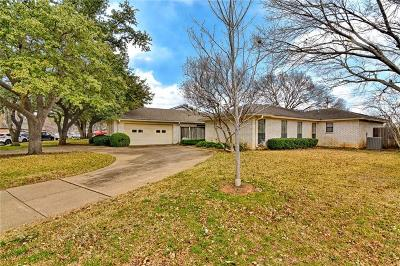 Arlington Single Family Home For Sale: 1805 Waterwood Drive
