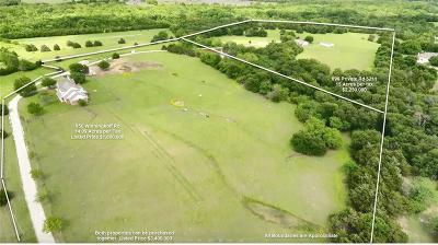 Farm & Ranch For Sale: 898 Private Road 5211