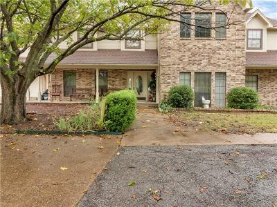 Dallas County Single Family Home For Sale: 907 S Cockrell Hill Road