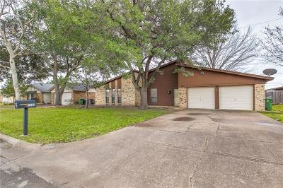 North Richland Hills Single Family Home For Sale: 7112 Meadow Park S