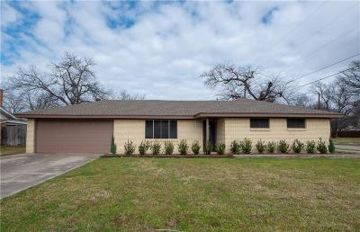 Benbrook Single Family Home Active Contingent: 611 Cozby Street N