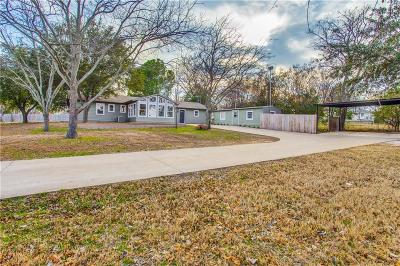 Azle Single Family Home For Sale: 617 Dunaway Lane
