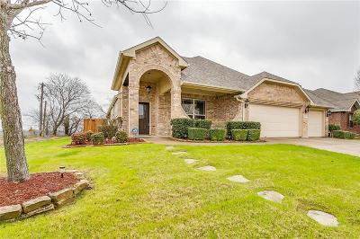 Mansfield Single Family Home For Sale: 1210 Thicket Drive