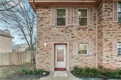 Fort Worth Townhouse For Sale: 7409 Kingswood Circle