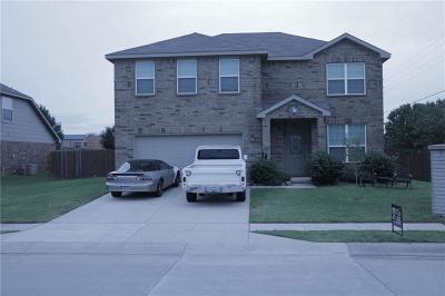 Krum Single Family Home For Sale: 101 Thoroughbred Drive