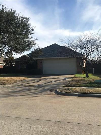 Lewisville Single Family Home Active Option Contract: 920 Dallas Lane