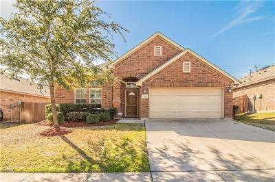 Fort Worth Single Family Home For Sale: 2628 Triangle Leaf Drive