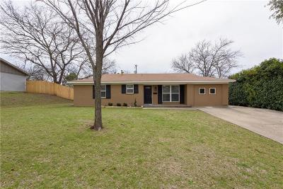 Fort Worth Single Family Home For Sale: 6411 Johns Way