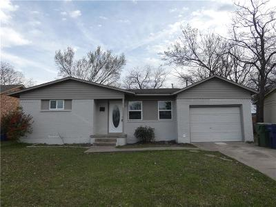 Garland Single Family Home For Sale: 213 Seneca Drive