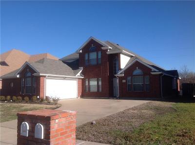 Arlington Single Family Home For Sale: 605 Bristlecone Drive