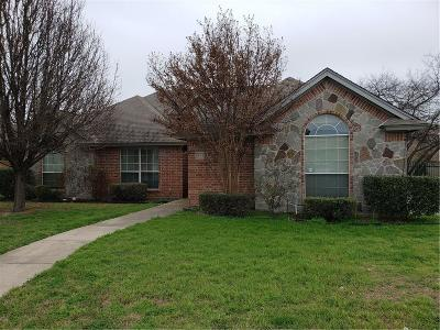 Richland Hills Single Family Home For Sale: 6940 Katherine Ct