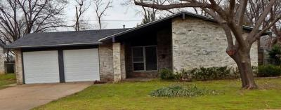 Euless Single Family Home Active Option Contract: 806 Fayette Drive