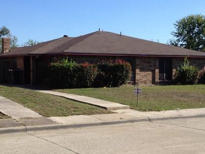 Carrollton Residential Lease For Lease: 2408 Cordoba Drive #B