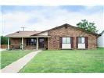Carrollton Single Family Home For Sale: 2124 Sam Houston Boulevard