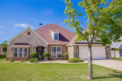 Lindale Single Family Home For Sale: 205 Shanna Trace