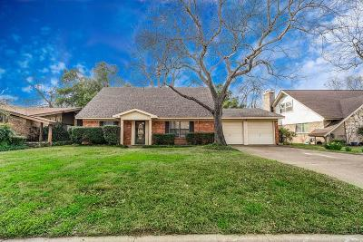 Arlington Single Family Home For Sale: 600 Waggoner Drive