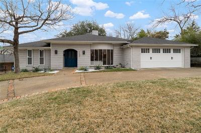 Dallas County Single Family Home For Sale: 7242 Meadow Lake