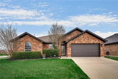 Arlington Single Family Home For Sale: 420 McMurtry Drive