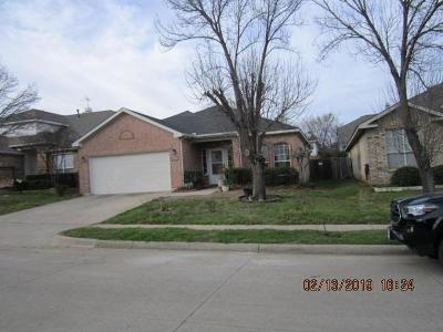 Fort Worth Single Family Home For Sale: 12841 Chittamwood Trail