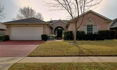 Grand Prairie Single Family Home For Sale: 2745 Oak Hollow Drive