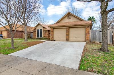 Arlington Single Family Home Active Option Contract: 4753 Hollow Tree Drive