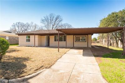 Single Family Home For Sale: 3829 Lakewood Drive