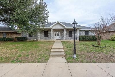 Hickory Creek Townhouse Active Option Contract: 12 Robins Nest Drive