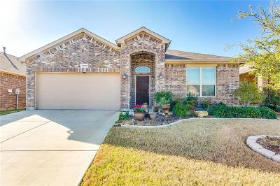 Fort Worth Single Family Home For Sale: 1908 Velarde Road