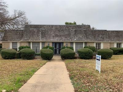 Fort Worth Single Family Home For Sale: 6105 Lantana Lane