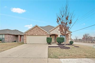 Fort Worth Single Family Home For Sale: 5057 Caraway Drive