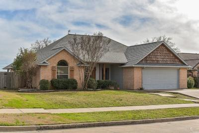 Ennis Single Family Home For Sale: 1207 Louise Lane