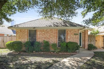 Lewisville Single Family Home For Sale: 208 Teakwood Lane