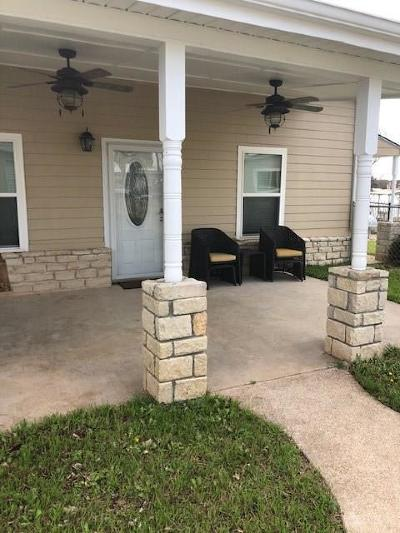 Granbury Single Family Home For Sale: 4100 Lands End Court