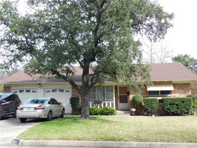 Fort Worth Single Family Home For Sale: 3521 Socorro Road