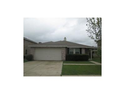Arlington Residential Lease For Lease: 8418 Vinetree Drive