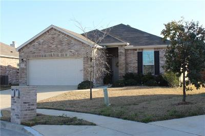 Fort Worth Single Family Home For Sale: 429 Mariscal Place