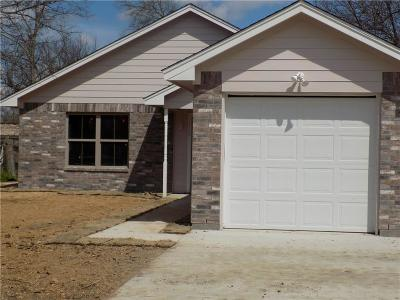 Cleburne Single Family Home For Sale: 110 Mechanic