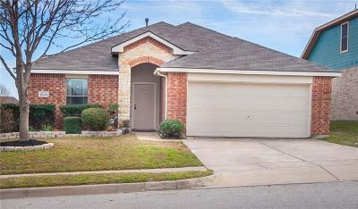 Fort Worth Single Family Home For Sale: 9833 Sterling Hill Drive