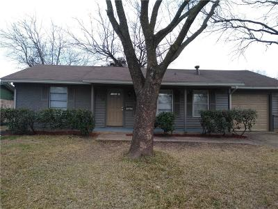 Garland Single Family Home For Sale: 3110 Sanders Drive