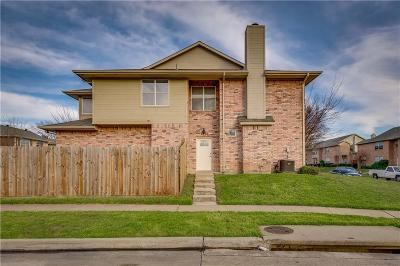Denton County Townhouse For Sale: 1523 Barbara Drive