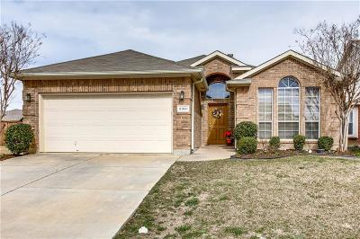 Tarrant County Single Family Home For Sale: 2301 Charisma Drive