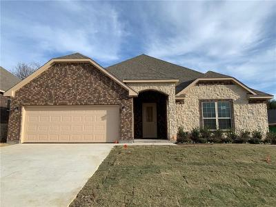 Burleson Single Family Home Active Contingent: 919 White Marlin Drive
