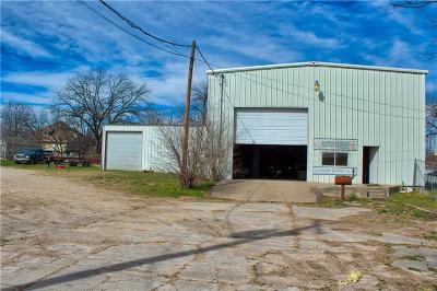 Comanche Commercial For Sale: 503 W Central