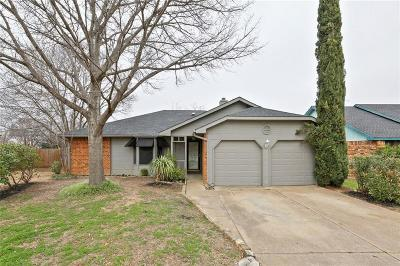 Fort Worth Single Family Home For Sale: 2308 Barada Court