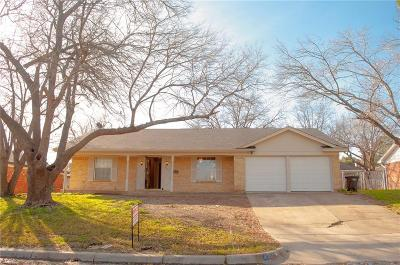 Fort Worth Single Family Home For Sale: 1305 Marlborough Drive