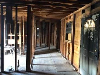 Single Family Home For Sale: 319 Carver Avenue